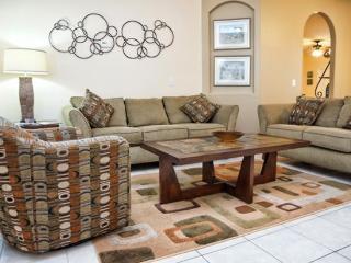 Waterfront 4 Bedroom 2 Bathroom Luxury Home. 5463CM, Orlando