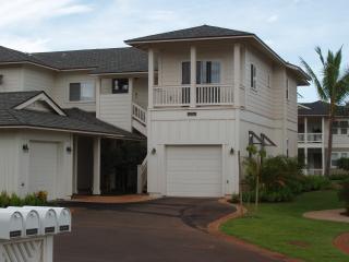 Coconut Plantation Villa, 1 Block from Coves!
