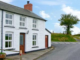 PLYNLIMON VIEW multi-fuel stove, beautiful location, ensuite bathroom in Devil's Bridge Ref 12335, Devil's Bridge (Pontarfynach)