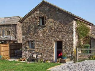 THE STABLE, barn conversion, garden, river fishing available in Marstow, Ref 5322