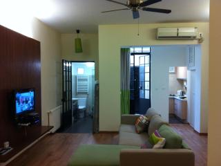 Chic studio flat in the heart of French Concession, Shanghai