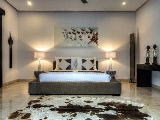DELUXE 2 BEDROOM VILLA WITH BUTLER SERVICE, Seminyak
