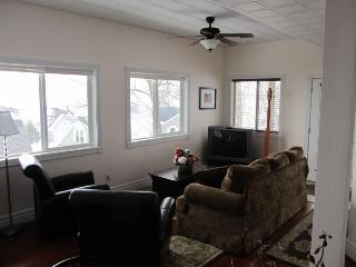 New 2 bedroom 975ft² near institution-Chautauqua