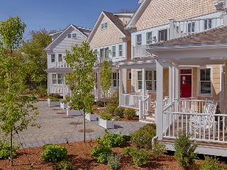West End 2012 New Luxury 3 Bed Luxury Water View, Provincetown