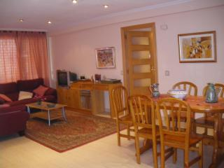 The living room and the dinning room. Airconditioned.