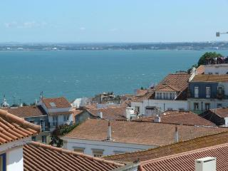 SAO VICENTE I, panoramic view flat & balcony, Lisbon