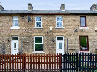 FOOTWAY COTTAGE, pet-friendly cottage with a garden in Stanhope, Ref 14840, Durham