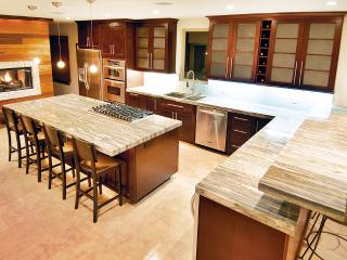 AS SEEN ON TV!  Newer Luxury House, Steps To Beach
