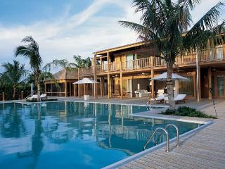 Luxury 11 bedroom Turks and Caicos villa. Total privacy!, Parrot Cay