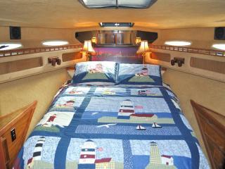 Pier Gold - Main Bedroom