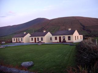 Suantra cottages at Dingle Peninsulas' scenic tip