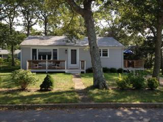 Comfy 3 Bd Vineyard Home - 1/2 Mile To Beach, Vineyard Haven