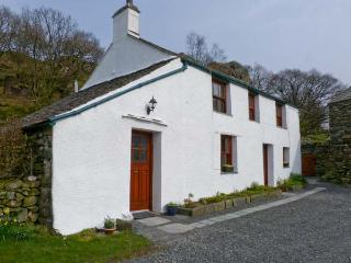 UNDERCRAGG, Grade II listed, open fire, superb views, in Seathwaite hamlet, Ref 12134, Cumbria