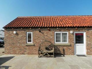 WHEEL WRIGHTS COTTAGE, single storey cottage with double bedroom, open plan living area, and patio in Barmston, Ref 9888, Bridlington