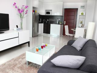 Pattaya Brandnew Designer Apartment with seaview