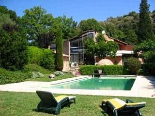 Modernist villa near Antibes, France, Biot