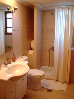 maisonette Kamelia bathroom