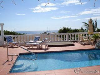 FRANCESCA...  lovely St Martin villa is conveniently located and well priced!, bahía de Simpson