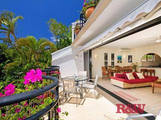 Bayona 1 Noosa Little Cove front row. 2 bed 2 bath