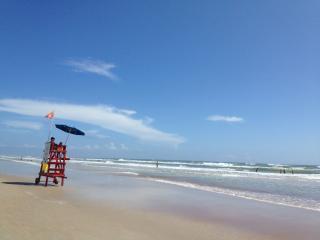 MAKE MEMORIES AT OUR DAYTONA BEACH VACATION HOME, Daytona Beach