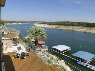 Condo Overlooking Lake Travis with Deep Water, Covered Parking, and Boat Slip, Spicewood