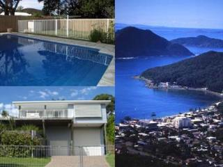 5 bedroom holiday house. Pool. Walk - beach, shops, Shoal Bay