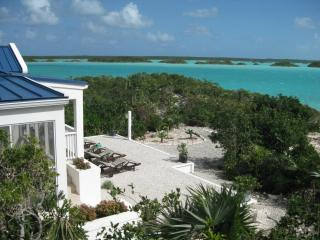 Blue Pearl, Private Villa on Chalk Sound, Providenciales