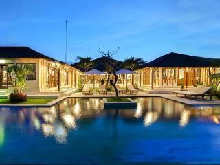Luxury Villa - Seminyak - Contemporary Joglo