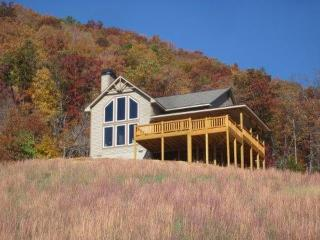 Great Mountain Retreat! Incredible Views! Hot Tub!, Franklin