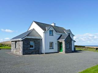 AN TIARACHT, detached cottage with sea views, open fire, lawned garden in Coarhabeg, Valentia Island, Ref 14952, Chapeltown