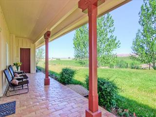 Vina Robles Vineyard 4 Bedroom at Pleasant Valley--As Tasteful as the Wine!