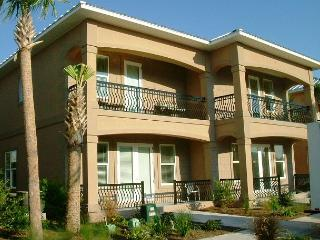 BIG BEACH HOUSE FOR 8! 10% OFF MARCH STAYS! CALL NOW!, Destin