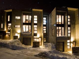 Fubuki Niseko  luxury home 3,4 and 5 bedrooms, Niseko-cho