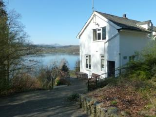 BEECH HOW COTTAGE, Bowness-on-Windermere