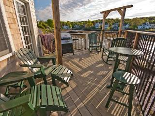 Back Bay Cottage - Portside: Luxury Condo on Water, Boothbay Harbor