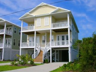 Beautiful 4 BR Ocean View Home in Carolina Beach!