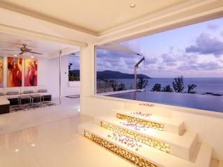 Phuket Kata Seaview Penthouse 5 min walk to Beach