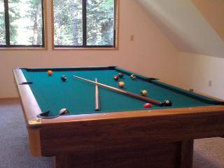 The HALE MAUNA in Big Trees Village, Dorrington has a Pool Table AND Hot Tub!
