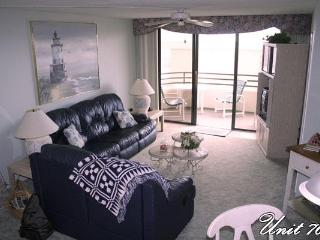 Luxurious  2 bedroom Condo directly on the Beach, Daytona Beach