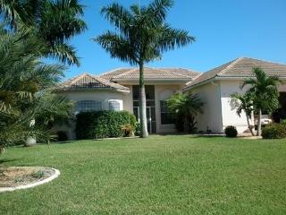4 Bedroom /3 Bath,On The water,Pool,Cape Harbor, Cape Coral