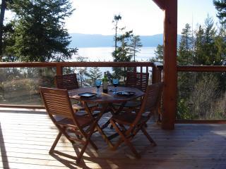 SeaStar Cottage - 1 BDR Oceanfront
