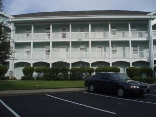 Magnolia Place 2 Bedroom Condo near Beach and Golf Course - in the heart of Myrtle Beach, SC