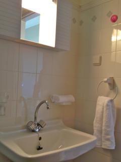 Bath towels provided