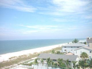 Popular Reef Club Luxury Beachfront Condominium, Indian Rocks Beach