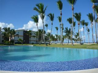 LAS DUNAS Beachfront 2 BR CONDO- OCEAN VIEWS, Punta Cana