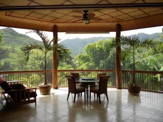 We find natural seclusion for U :)  Like green?, Hanalei