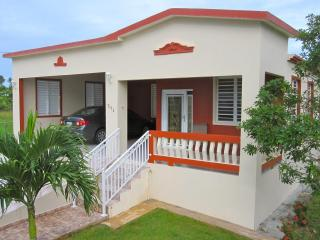 3 bedroom home near beaches & town; quiet area, Isabela