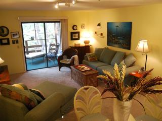 Great Condo near beach & shops -7th nite is free!, Fernandina Beach
