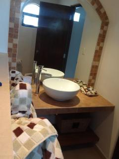 Shared 2nd floor bathroom.