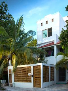 Upper Toltec House is the top two floors of a private home in a charming neighbourhood